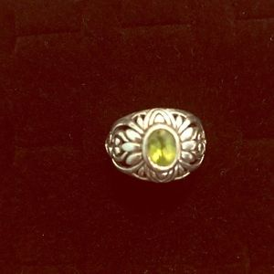 Jewelry - Sterling Silver Ring W/Beautiful Stone